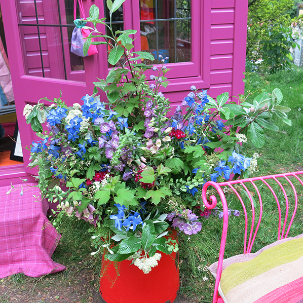 Pippa Small floral arrangement