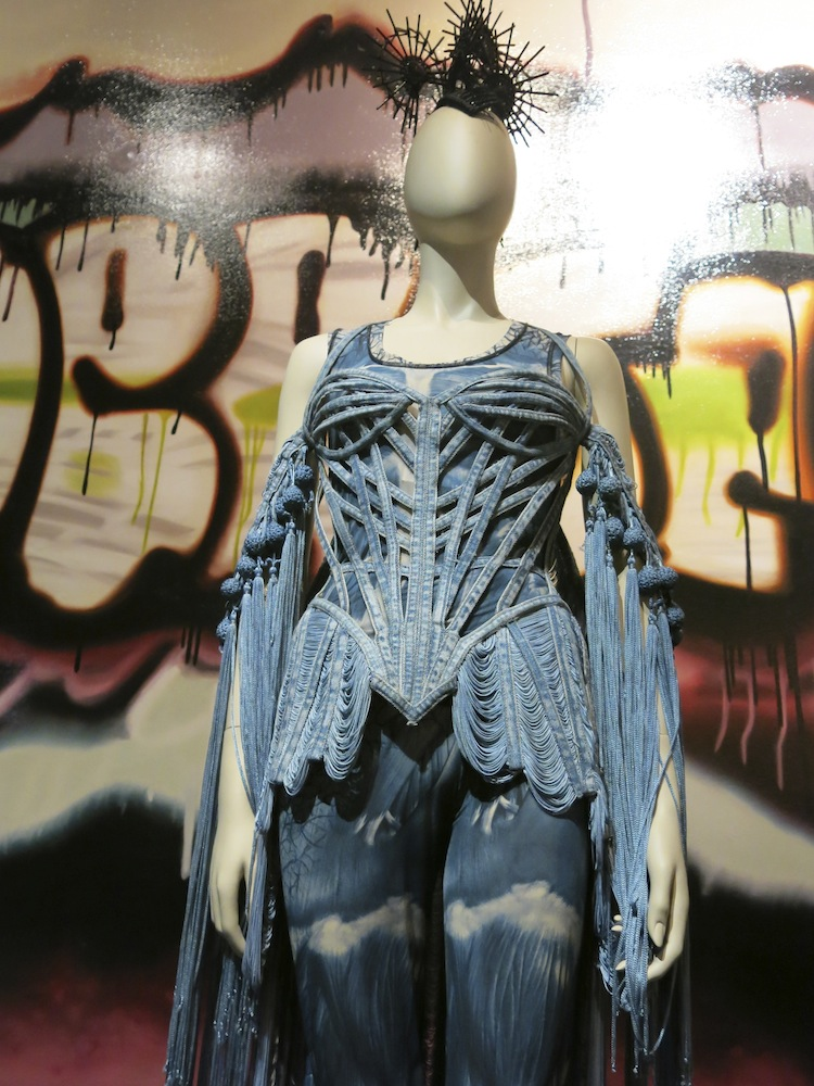 Fashion World of Jean Paul Gaultier_011