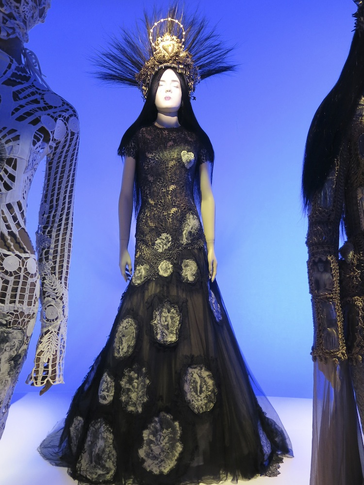 Fashion World of Jean Paul Gaultier_012