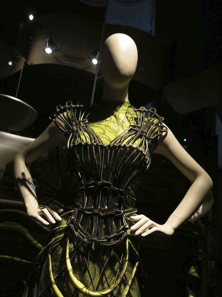 Fashion World of Jean Paul Gaultier_027